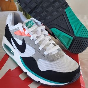 Women's Nike AirMax Correlate